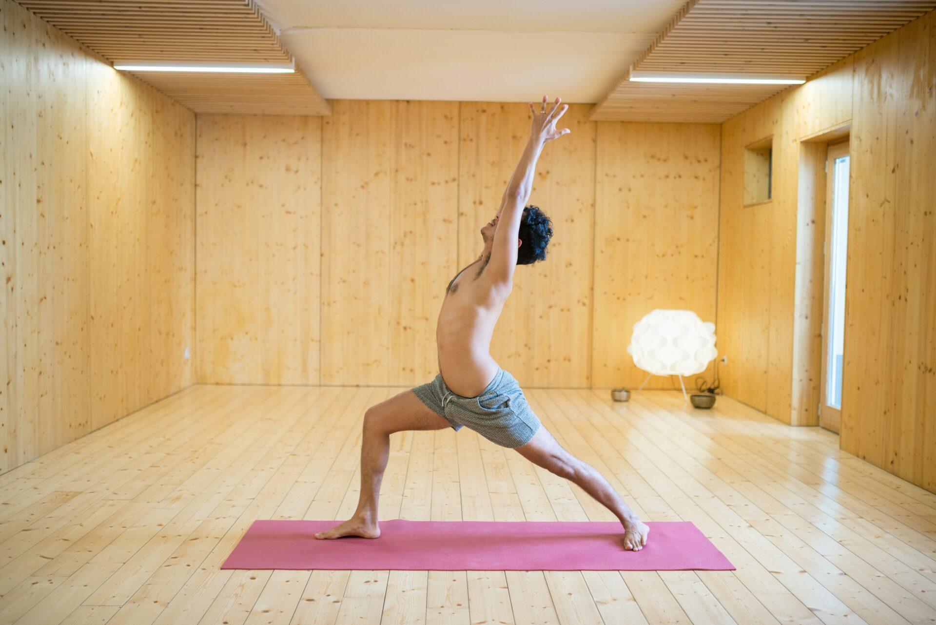 Make Me Yoga - Studio de Yoga et Pilates - 7 rue Gambey - 75011 ... bae11613966